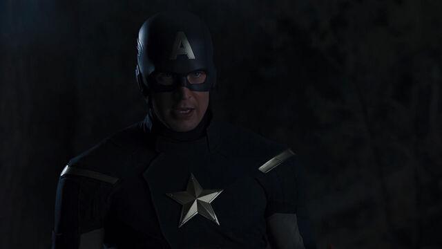 File:Captain-America-Avengers-confronting-Thor.jpg