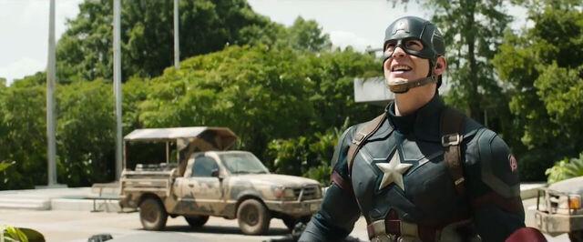 File:Captain America Civil War Trailer 7 43710.jpg