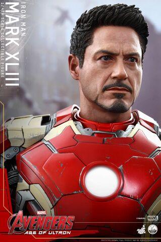 File:Mark XLIII Hot Toys 10.jpg