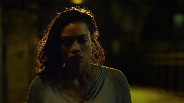 File:Claire-Temple-finds-Daredevil.jpg