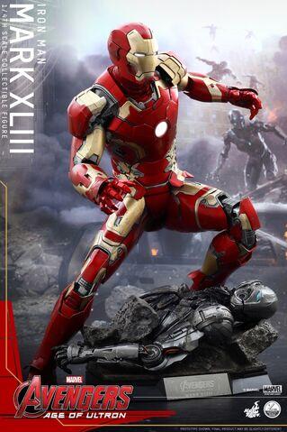 File:Mark XLIII Hot Toys 3.jpg