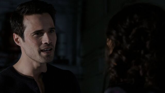 File:Grant-Ward-Raina-S1E22.jpg