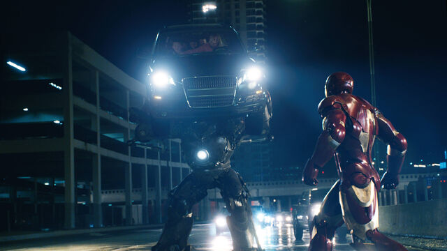 File:Iron Monger v. Iron Man.jpg