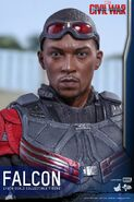 Falcon Civil War Hot Toys 16