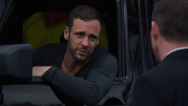 File:Lance-Hunter-steals-car.jpg