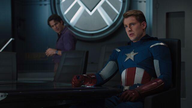 File:Captain-America-Helicarrier-Banner-Avengers.jpg