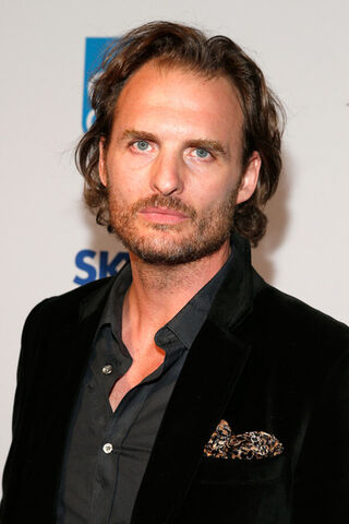 File:Greg Bryk.jpg