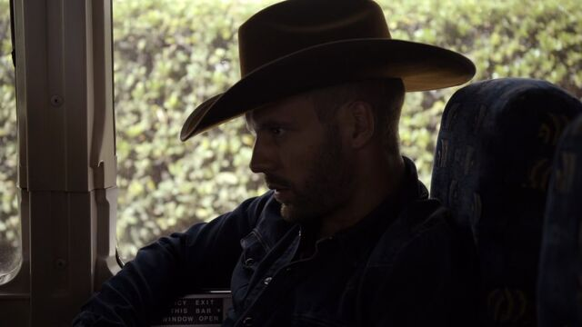 File:Lance-Hunter-Undercover-Cowboy-Hat.jpg