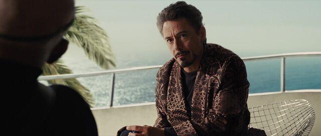 File:Tony-Stark-Iron-Man-2-Dressing-Gown.jpg