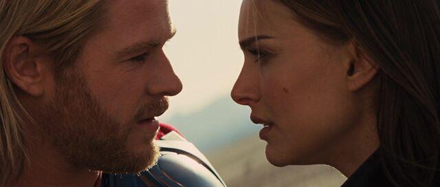 File:Thor Jane love.jpg
