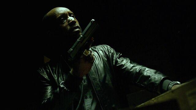 File:600px-Daredevil-S01E03-HandK-7-1-.jpg