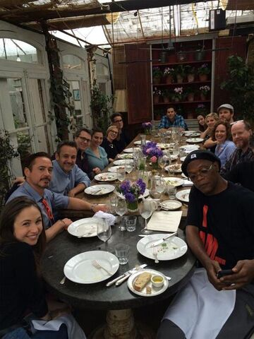 File:Avengers-age-of-ultron-cast-and-crew-eating.jpg