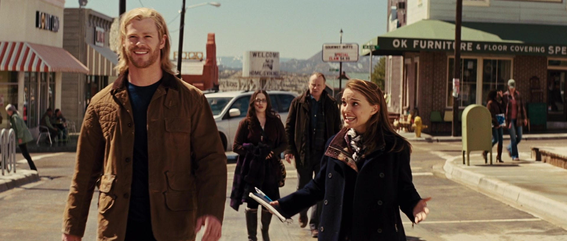 Image - Thor Jane walk.jpg | Marvel Cinematic Universe
