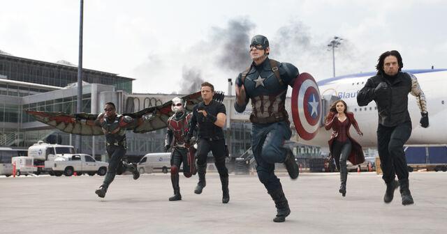 File:Team Cap running.jpg