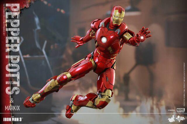 File:Iron Man Mark IX and Pepper Hot Toys 01.jpg