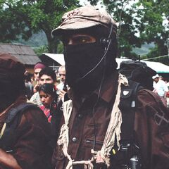 <b>1994: ZAPATISTAS ALLY WITH MUTANT SUPPORTERS.</b> <br /> <i>The Zapatista resistance militia enlists the help of mutant soldiers.</i> <br /> The Zapatista resistance, aided by mutant freedom fighters, engages in armed conflict against the Mexican government in Southern Mexico.