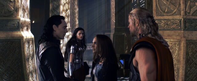 File:Jane Gives Loki an Earfull.jpg