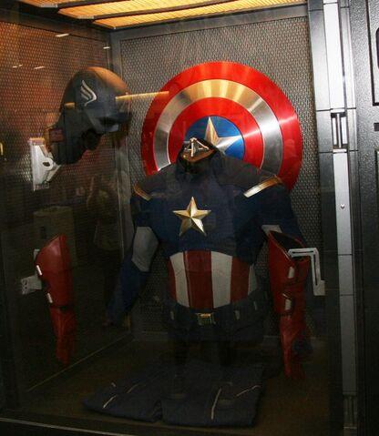 File:Captainamerica2011.jpg