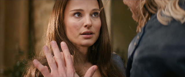 File:Thor The Dark World Jane and Thor 02.png