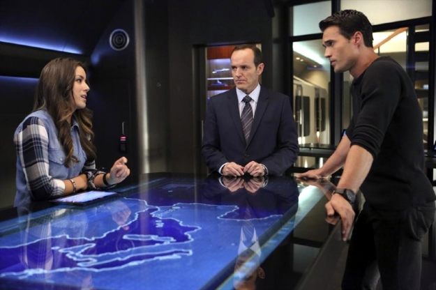File:Agents of SHIELD The Well 06.jpg