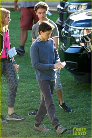 File:Tom-holland-zendaya-spider-man-atlanta-first-set-pics-05.jpg