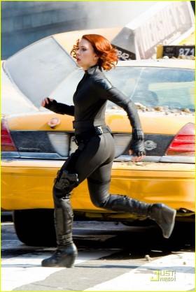 File:Black-Widow-Running-The-Avengers-280x418.jpg