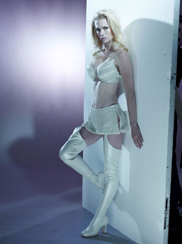 File:White Queen promo.jpg