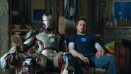 Iron-man-3-tony-stark-new-suit-harley