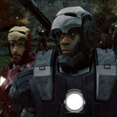 Tony fighting alongside Rhodes.
