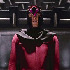 Erik has modified Shaw's helmet, painting it crimson and adding an decorative head ornament