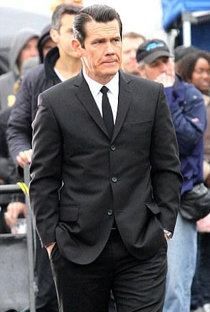 File:472522-men in black 305.jpg