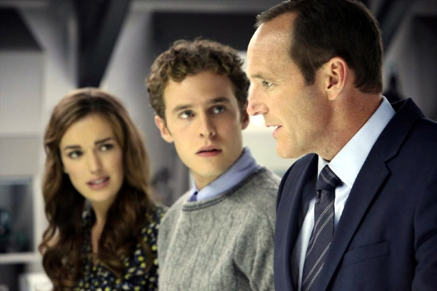 File:Agents of SHIELD The Well 20.jpg