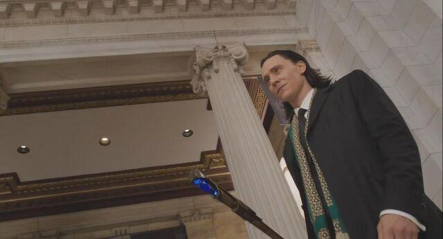 File:Loki Avengers 02.jpg
