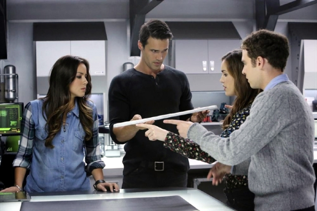 File:Agents of SHIELD The Well 23.jpg