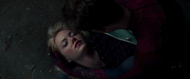 File:Gwen Corpse 3.jpg