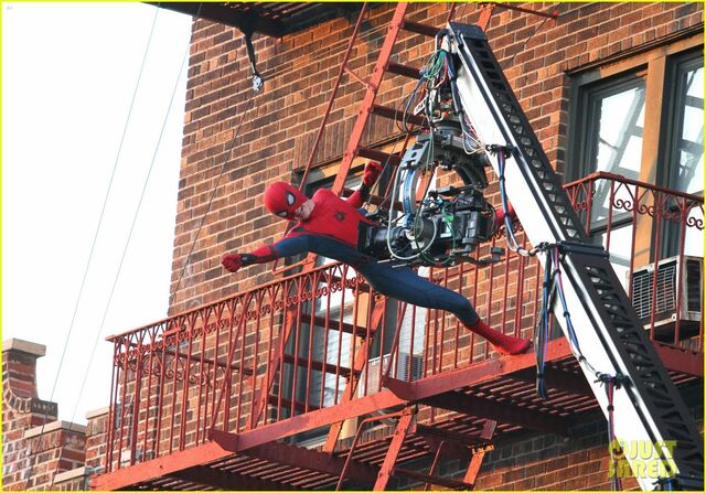 File:Tom-holland-performs-his-own-spider-man-stunts-on-nyc-fire-escape-16.jpg