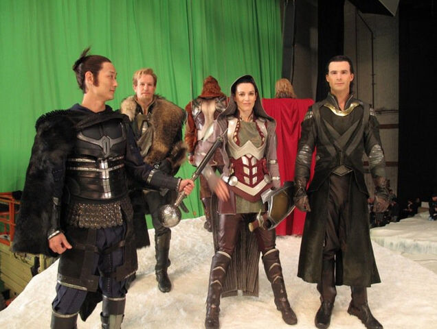 File:Kylie Furneaux (Sif), Matthew LeFevour (Thor), Paul Lacovara (Loki), Alex Chansky (Fandrall), Rob Mars (Volstagg) and Ilram Choi (Hogun) on-set of THOR.jpg