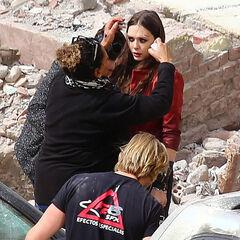 Elizabeth Olsen on set