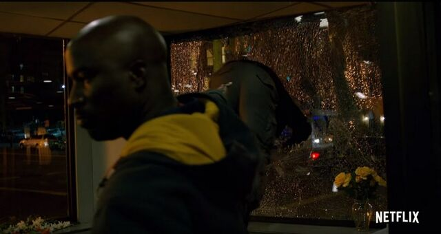 File:Luke-cage-trailer-00062-194057.jpg