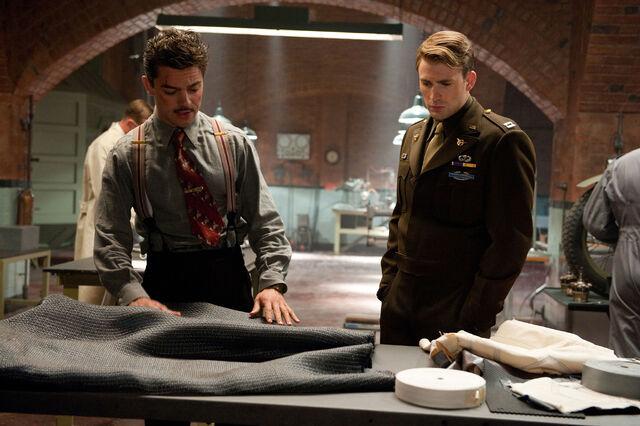File:Howard Stark and Steve Rogers.jpg