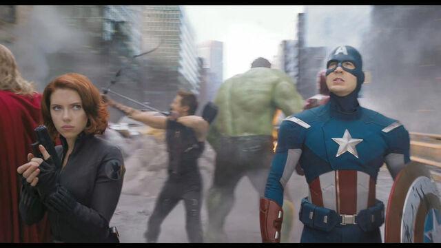 File:Avengers-super-bowl093.jpg