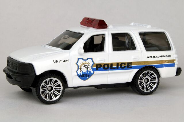 File:Ford Expedition - 8474df.jpg