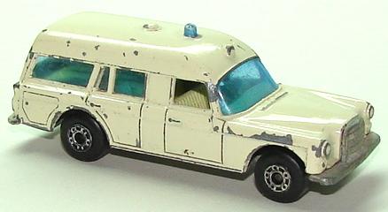 File:7103 Mercedes-Benz Binz Ambulance.JPG
