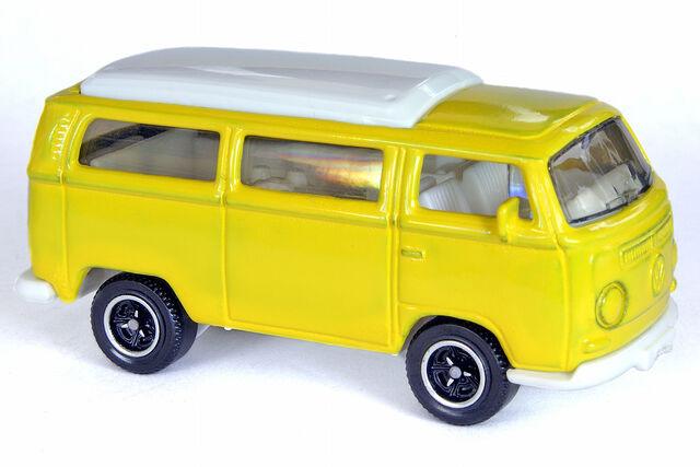 File:Custom Volkswagen T2 Bus - 0041df.jpg