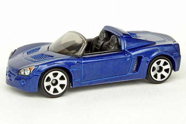 File:Opel Speedster 10-Pack - 9574ef.jpg