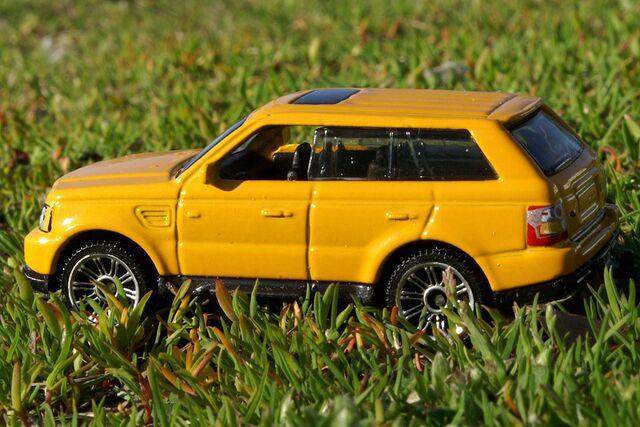 File:Range Rover Sport - 8174ef.jpg