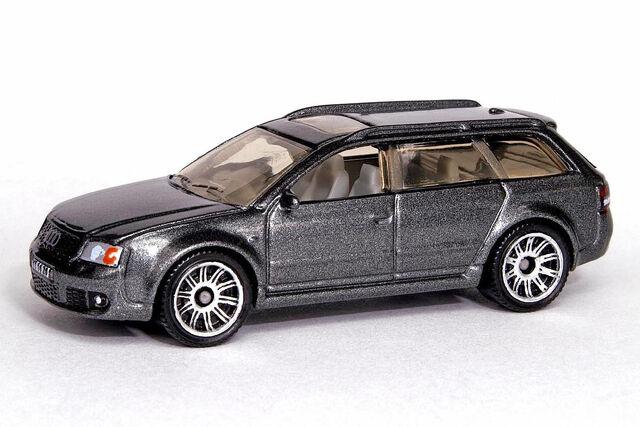 File:Audi RS6 Avant - 5514df.jpg