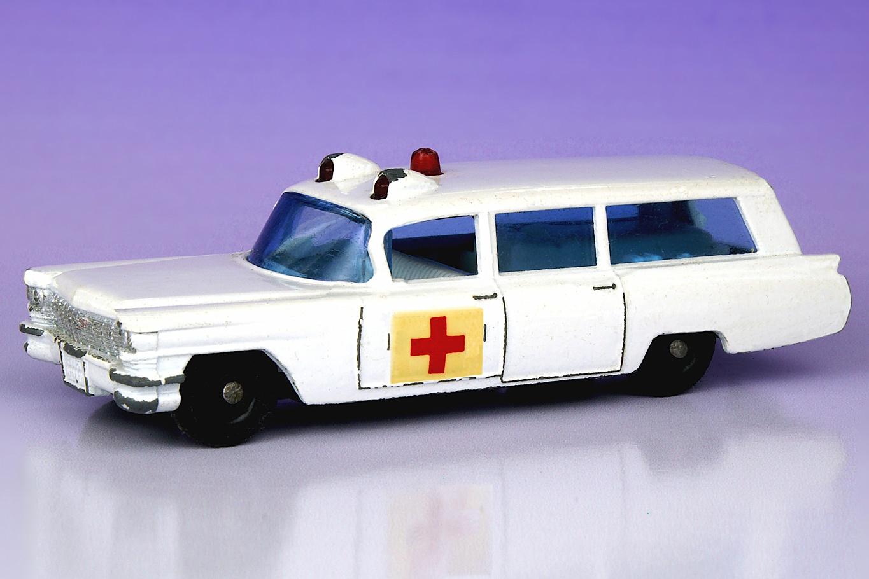 S & S Cadillac Ambulance | Matchbox Cars Wiki | FANDOM ...
