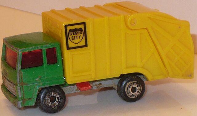 File:MBX Refuse Truck Green.jpg