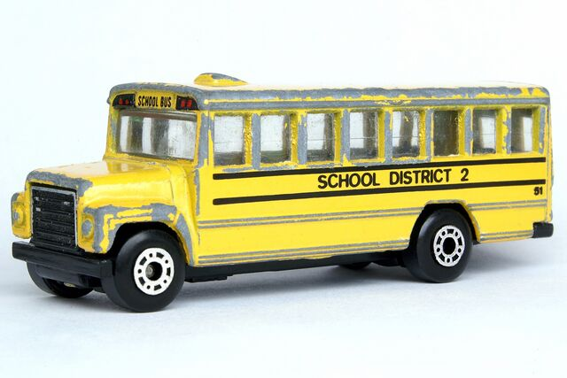 File:Matchbox School Bus - 7866ef.jpg